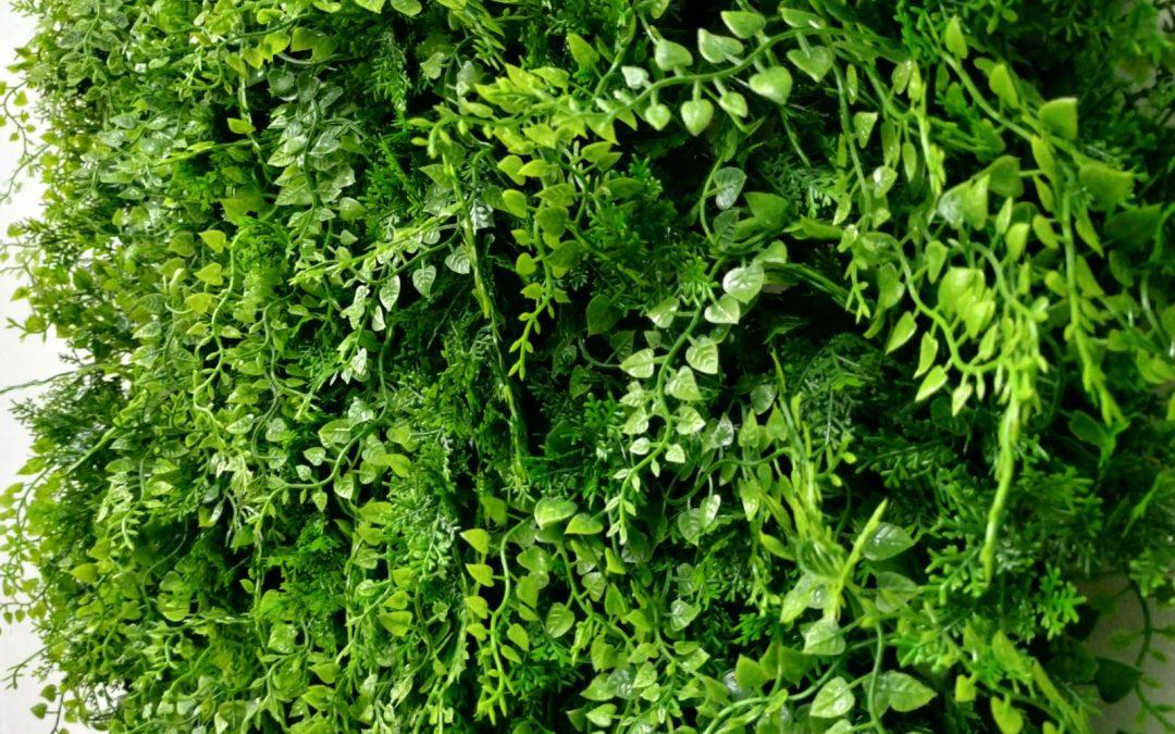 ¿Qué beneficios tienen los jardines verticales artificiales?